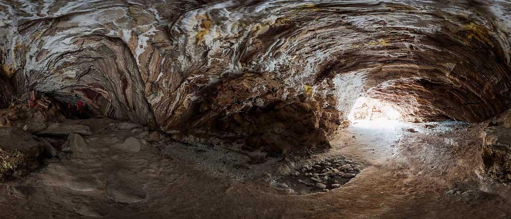 غار نمکدان قشم