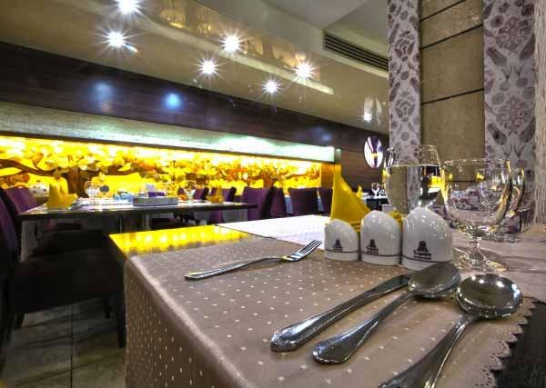 رستوران پردیس هتل اوین