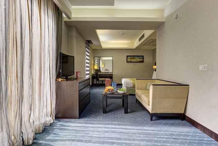 سوئیت معمولی هتل اوین